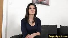 A barnahajú magyar szépség pornósztár szeretne lenni