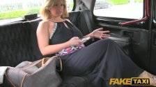 A szexéhes milf és a taxisofőr