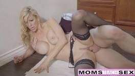 A kanos csávó megdugja az anyját, majd a barátnőjét is
